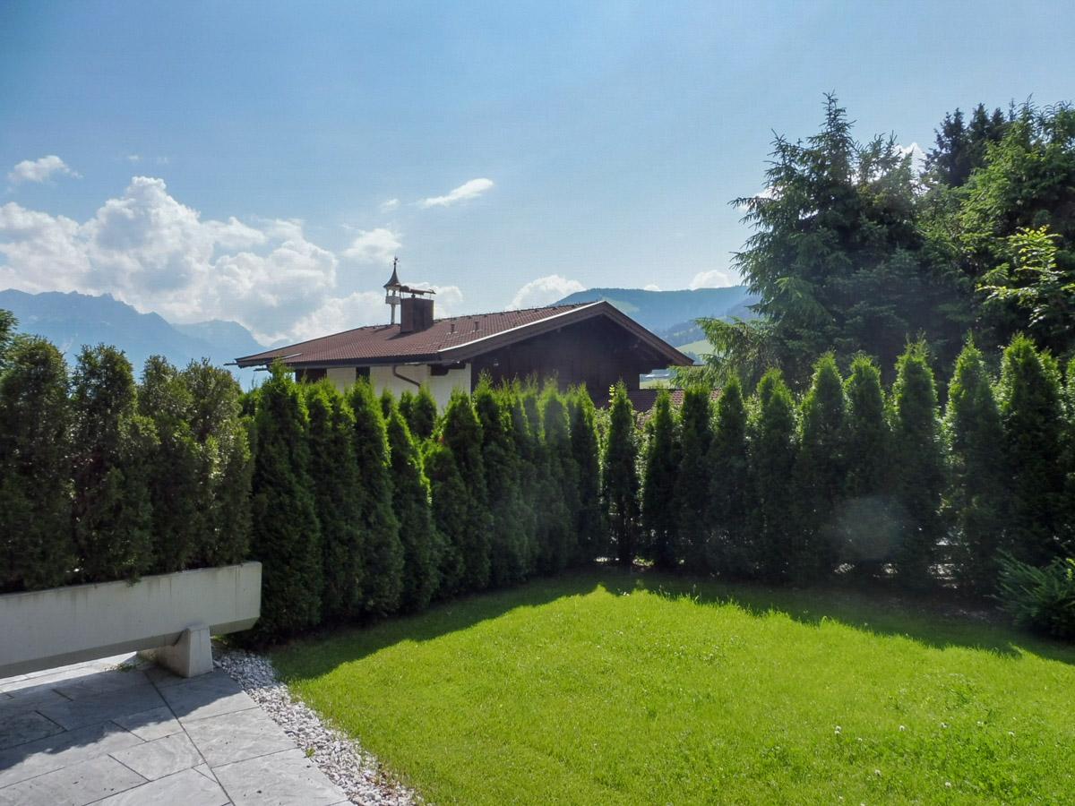 Garten im Mountain Lodge Leogang vor Apartment 1