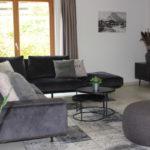 Wohnzimmer mit Atmosphäre im Apartment 1 der Mountain Lodge Leogang